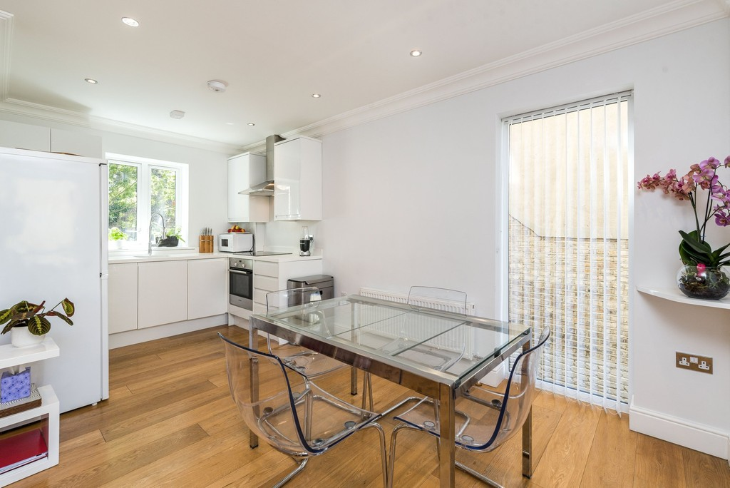Urban Village Home - Wanless Road, Herne Hill : Image 6