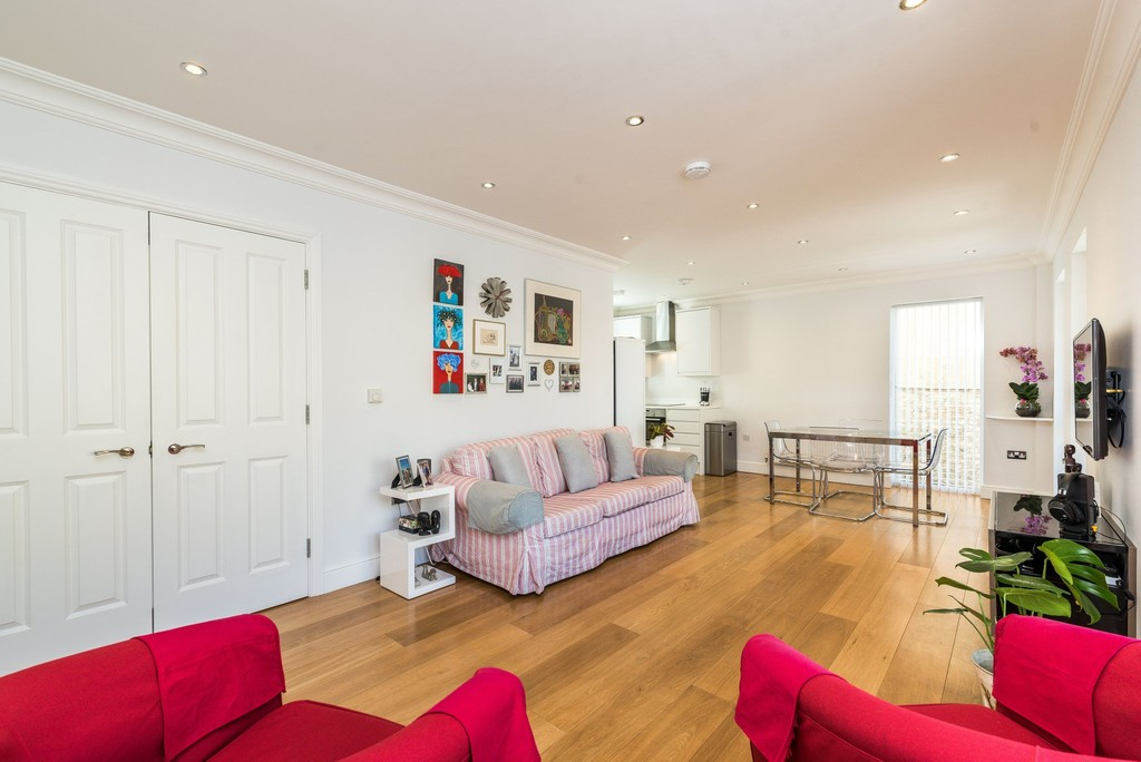 Urban Village Home - Wanless Road, Herne Hill : Image 4
