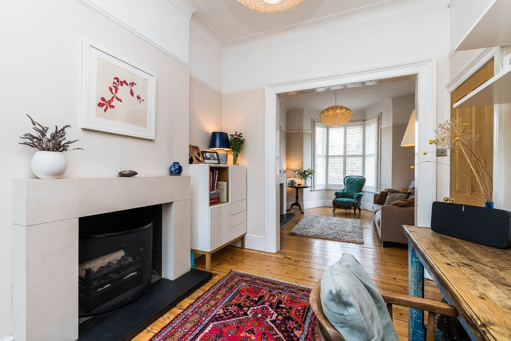 Urban Village Home - Derwent Grove, London : Image 6