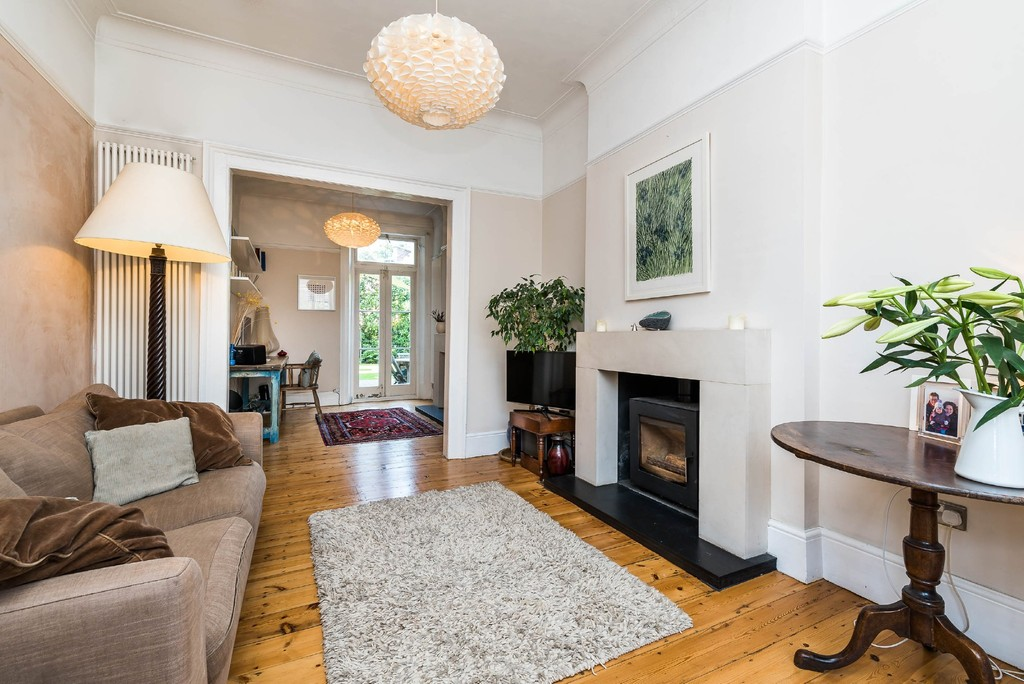 Urban Village Home - Derwent Grove, London : Image 7