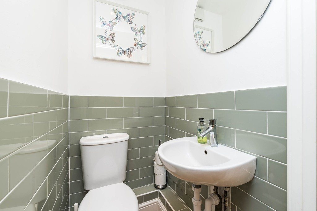 Urban Village Home - Derwent Grove, London : Image 19