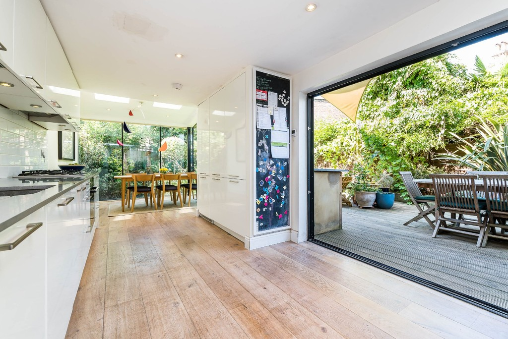 Urban Village Home - Derwent Grove, London : Image 10