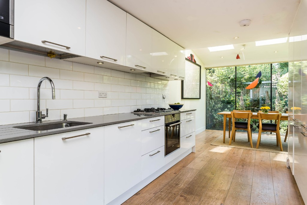Urban Village Home - Derwent Grove, London : Image 8