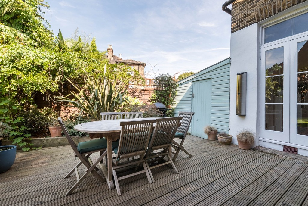 Urban Village Home - Derwent Grove, London : Image 21