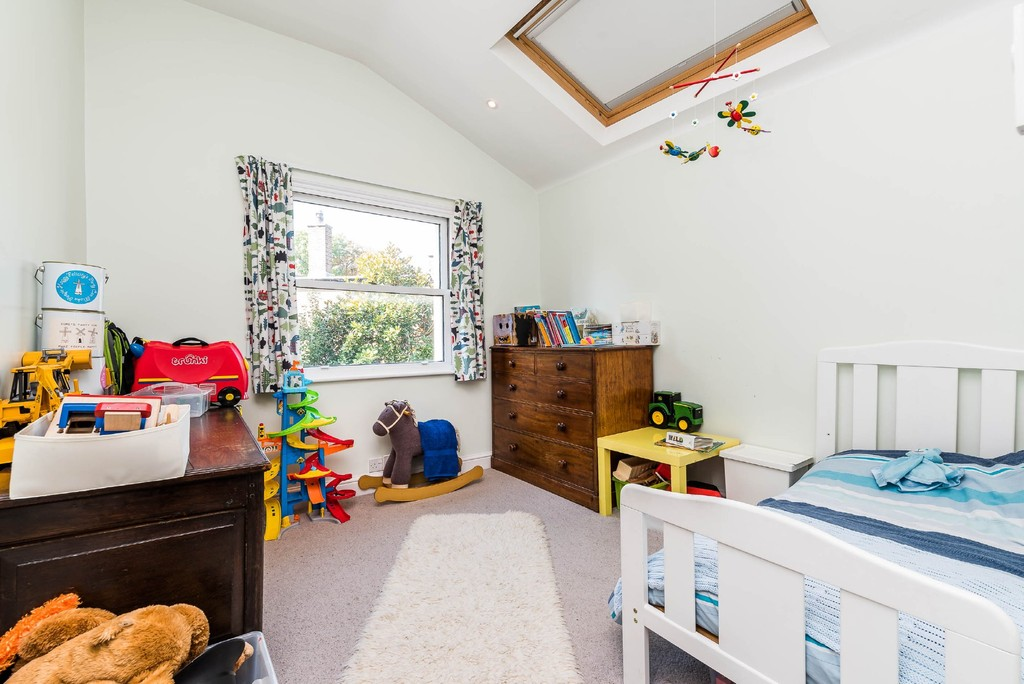 Urban Village Home - Derwent Grove, London : Image 18