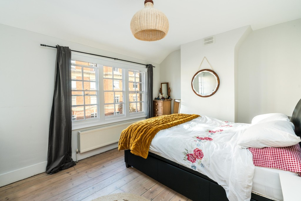 Urban Village Home - Rosendale Road, London : Image 10