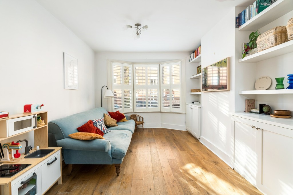 Urban Village Home - Rosendale Road, London : Image 2